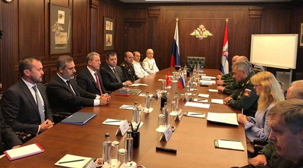 Savunma Bakanı Akar, Rus mevkidaşıyla görüştü