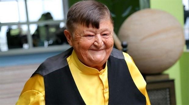 Şişko Nuri' lakaplı sanatçı Sıtkı Sezgin toprağa verildi