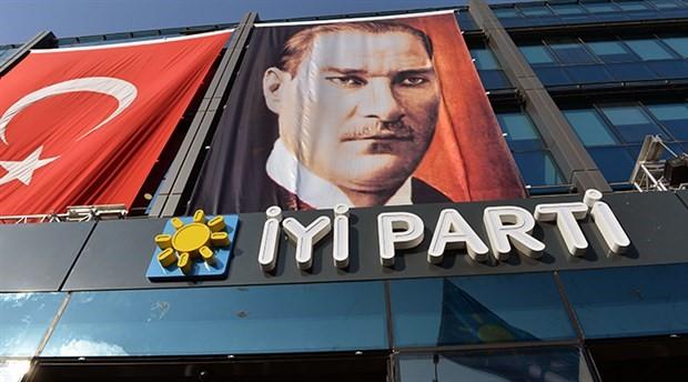 İYİ Parti'de '15 Temmuz' istifası