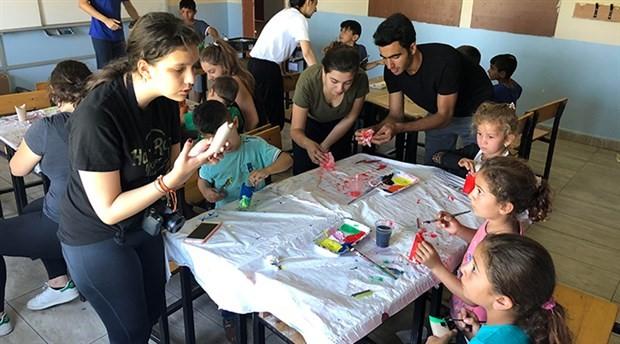 Liseli öğrencilerden mevsimlik işçi çocuklarına yaz okulu