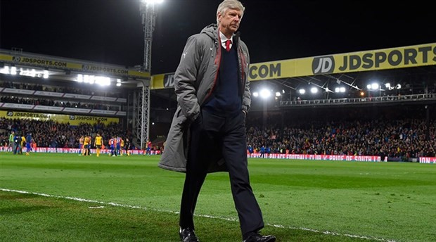 Wenger, maçlara korumalarla çıkmış