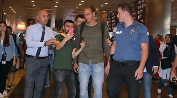 Fenerbahçe'nin yeni transferi Frey İstanbul'da