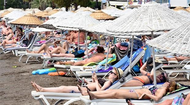 Tatilciler gittikleri yere kalabalığı da götürdü