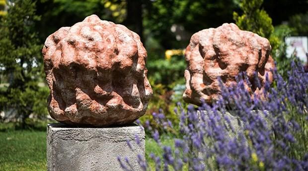 Pişmiş toprak heykeller, kent benliğinde yerini alıyor