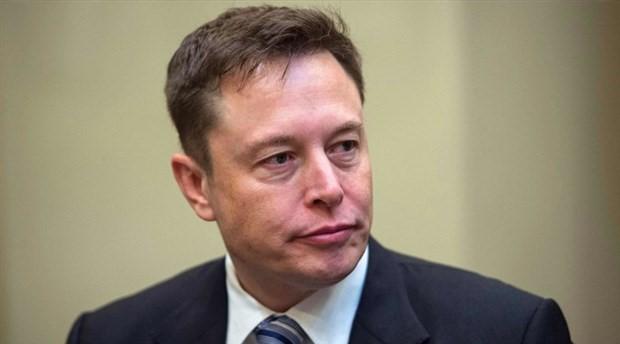 Musk'tan geri adım: Tesla, borsada kalacak