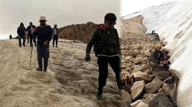 Süphan Dağı'na tırmanan Van Gölü aktivistleri uçak parçaları buldu