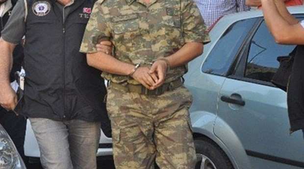 34 asker hakkında FETÖ'den gözaltı kararı
