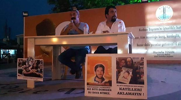 İzmir'de söyleşi ve imza etkinliğine katılan 'Komünist Başkan' ilgiyle karşılandı