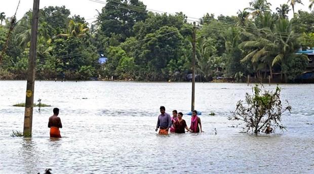 Hindistan'daki sel felaketinde hayatını kaybedenlerin sayısı 483'e yükseldi