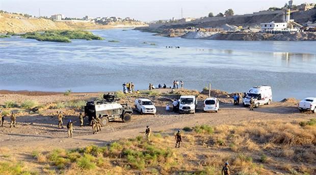 Serinlemek için Dicle Nehri'ne giren 2 işçi kayboldu