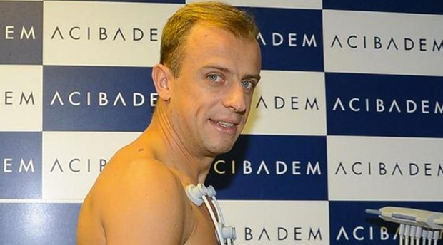Bursasporile iki yıllık anlaşmaya varan Kamil Grosicki kenti terk etti