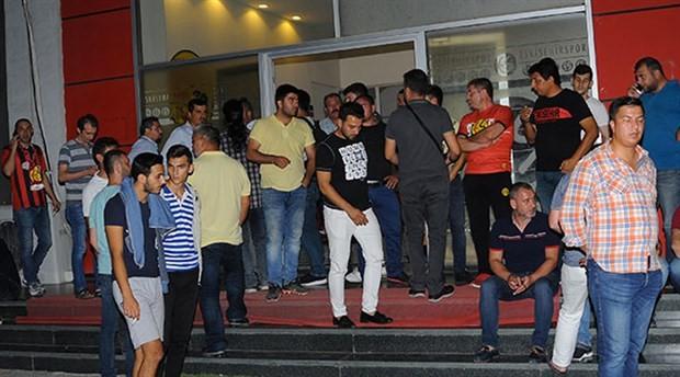 Eskişehirspor'da bekleyiş sürüyor