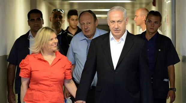 İsrail polisinden Netanyahu'nun eşi ve oğluna rüşvet suçlaması