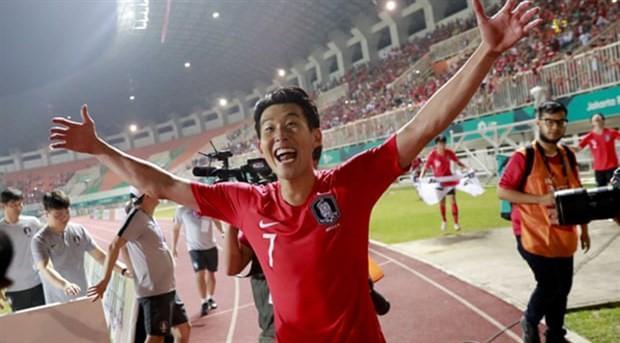 Şampiyon olan Güney Koreli futbolcular askerlikten muaf oldu