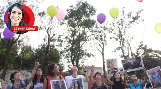 Tutuklu gazetecilerin özgürlüğü için balonlar uçuruldu