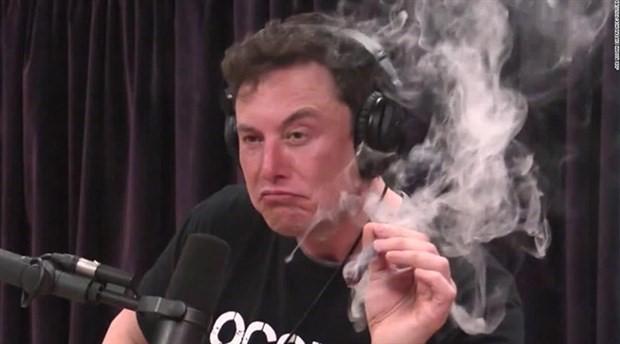 Musk esrar içti, Balıkesir Belediyesi Tesla siparişlerini iptal etti