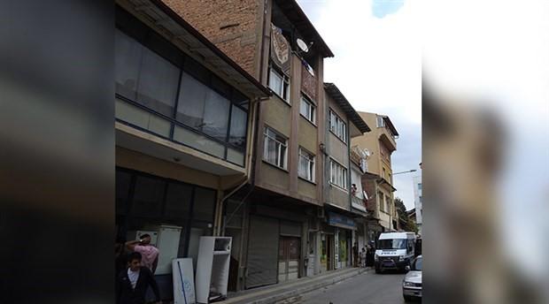 3'üncü kat balkonundan düşen çocuk öldü