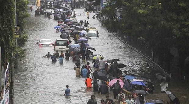 Hindistan'da 650 bin kişi sellerden etkilendi