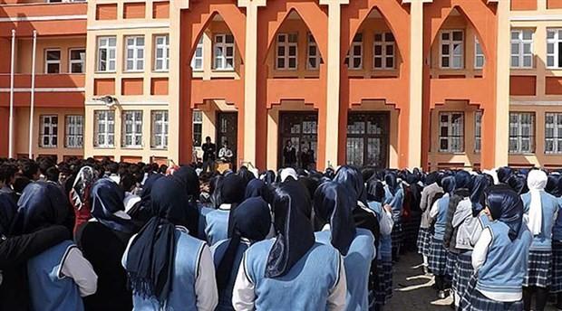 Öğrenci şartında çifte standart: Anadolu lisesinde var, imam hatipte yok!