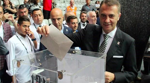 Beşiktaş'ta Fikret Orman yeniden başkanlığa seçildi