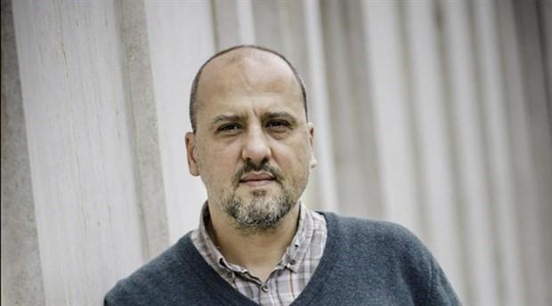 Ahmet Şık'ın 'Twitter paylaşımları' davası durduruldu