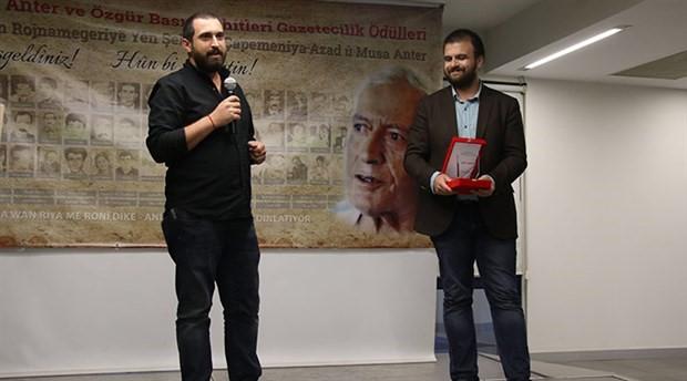 BirGün editörü Uğur Şahin ödülünü aldı