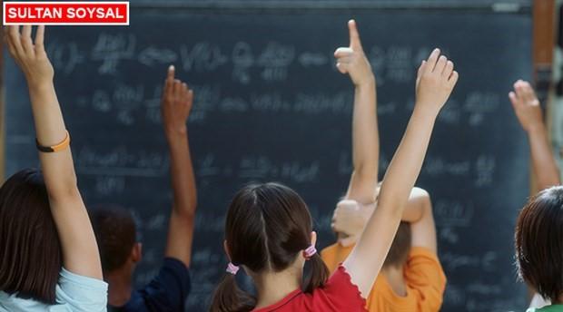 Eğitimciler okul terk etme oranını değerlendirdi: Ekonomik krizle eğitim sistemi öğrenciyi zorluyor