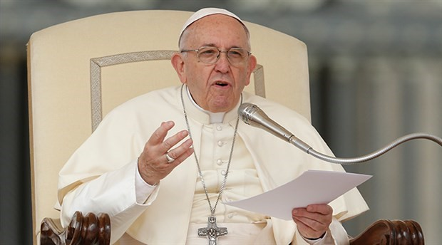 Papa: Kürtaj yaptırmak 'kiralık katil tutmaya' benziyor