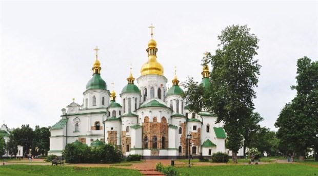Rusya ile Batı arasında kilise savaşı