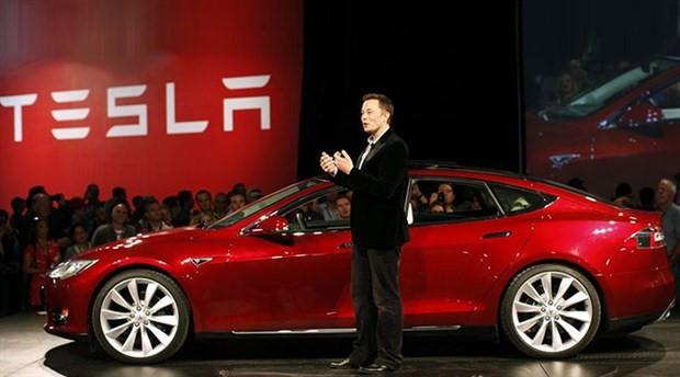 Musk, Tesla'daki görevinden ayrıldı