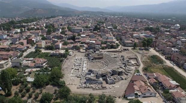 İznik Roma Tiyatrosu kazılarında yeni keşif
