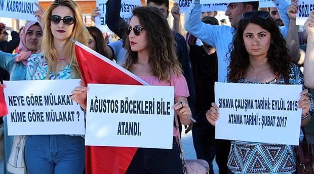 Öğrencilerinden ayrı kalan öğretmenler BirGün'e konuştu: Kutlayacak bir gün bırakmadılar