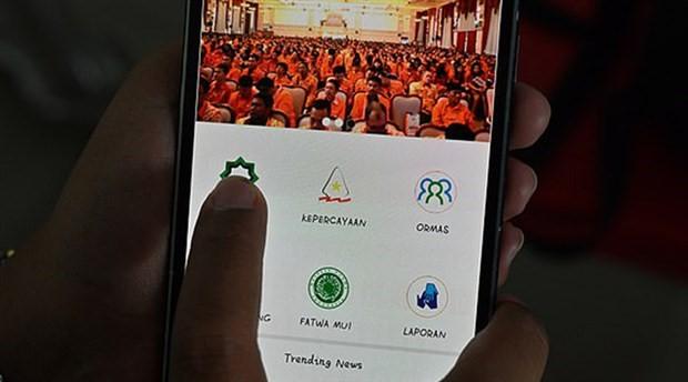 Endonezya'da, zararlı ve sapkın dini grupları ihbar için telefon uygulaması çıkarıldı