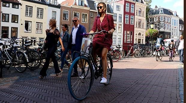 Hollanda'da bisikletle yılda yaklaşık 15 milyar kilometre yol katediliyor