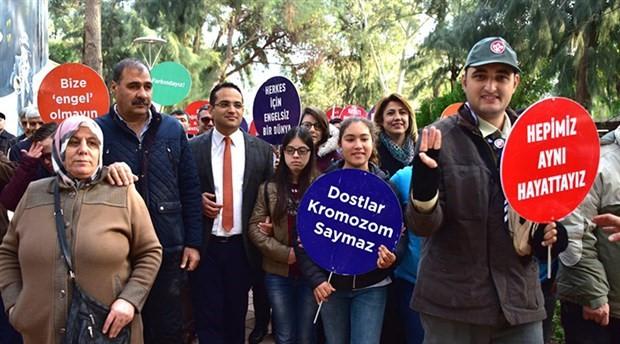 İzmir'de 'engelsiz' yürüyüş