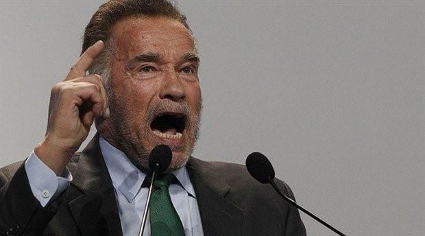 Arnold Schwarzenegger: Çatlak bir başkanımız var