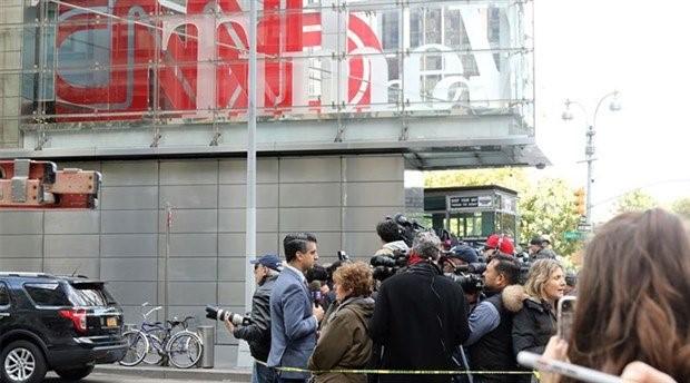 ABD'de bombalı saldırı alarmı: CNN'in de olduğu bina boşaltıldı