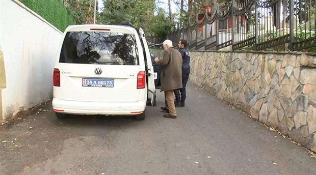 70 yaşındaki adamı zorla araca bindirip parasını aldılar