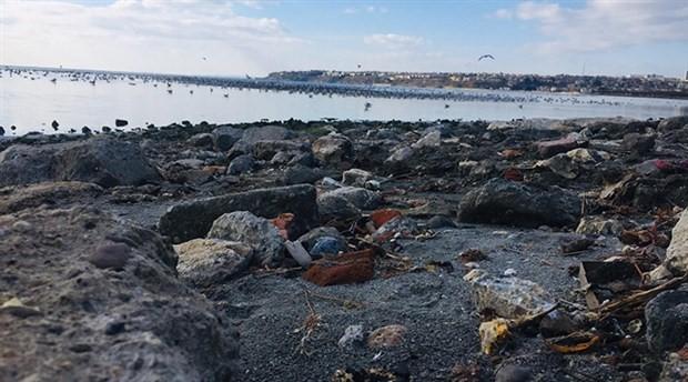 Silivri'de deniz suyu 25 metre çekildi