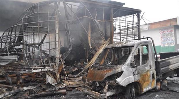 Bandırma'da inşaat malzemeleri satılan iş yeri kül oldu