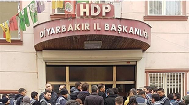 Diyarbakır'da HDP İl Başkanlığı'na polis baskını: 25 gözaltı