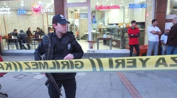 Kebapçıda yemek yiyen bir kişi, açılan ateş sonucu yaşamını yitirdi