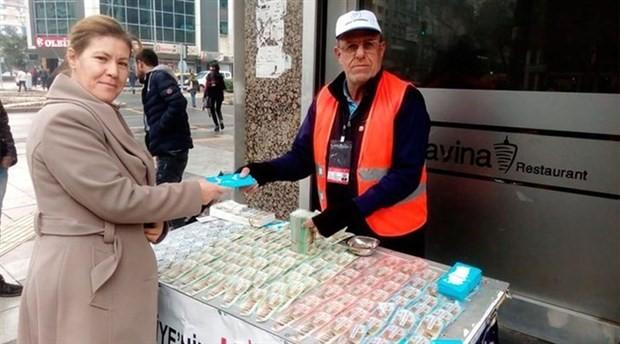 İzmir'de yılbaşı çekilişi için umutların adresi Fevzi Deniz oldu