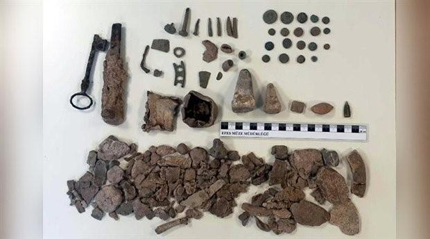 Antik kentte kaçak kazıya 6 gözaltı