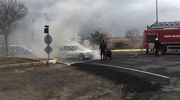 Nevşehir'de seyir halindeki araç yandı