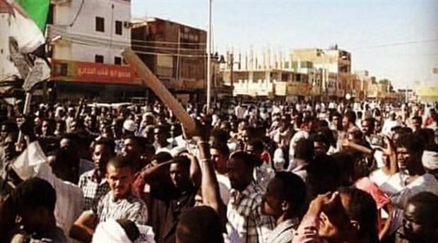 Sudan'daki protestolar dördüncü gününde devam ediyor