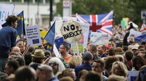 Brexit anlaşması parlamentoda reddedildi