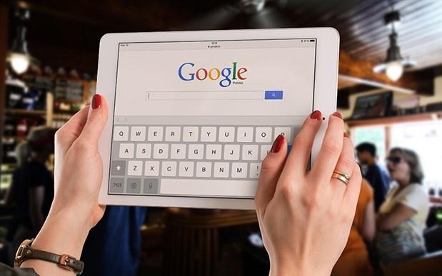 Apple, Google'ın iOS geliştirici yetkilerini askıya aldı