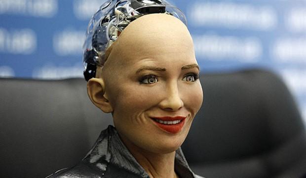 Robotlar 50 yıl sonra insanların yerini alabilir
