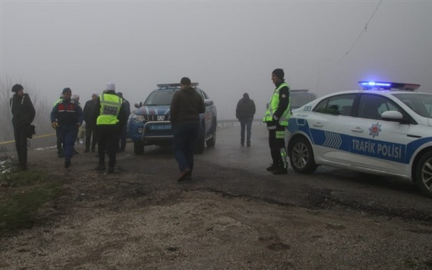 Bolu Dağı'nda yol kenarına atılan valizin içinden cansız beden çıktı